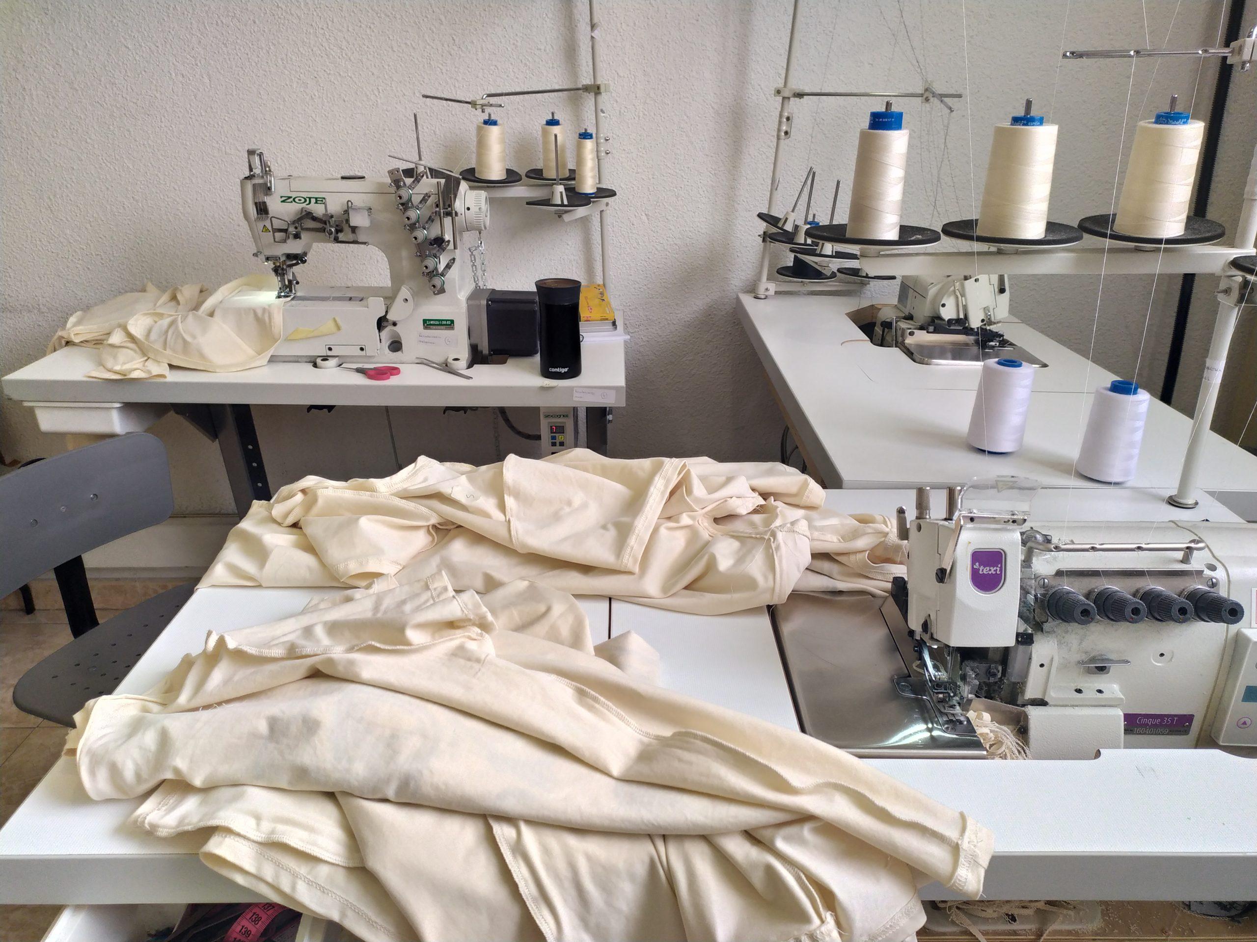 tela-camiseta-maquina-de-coser